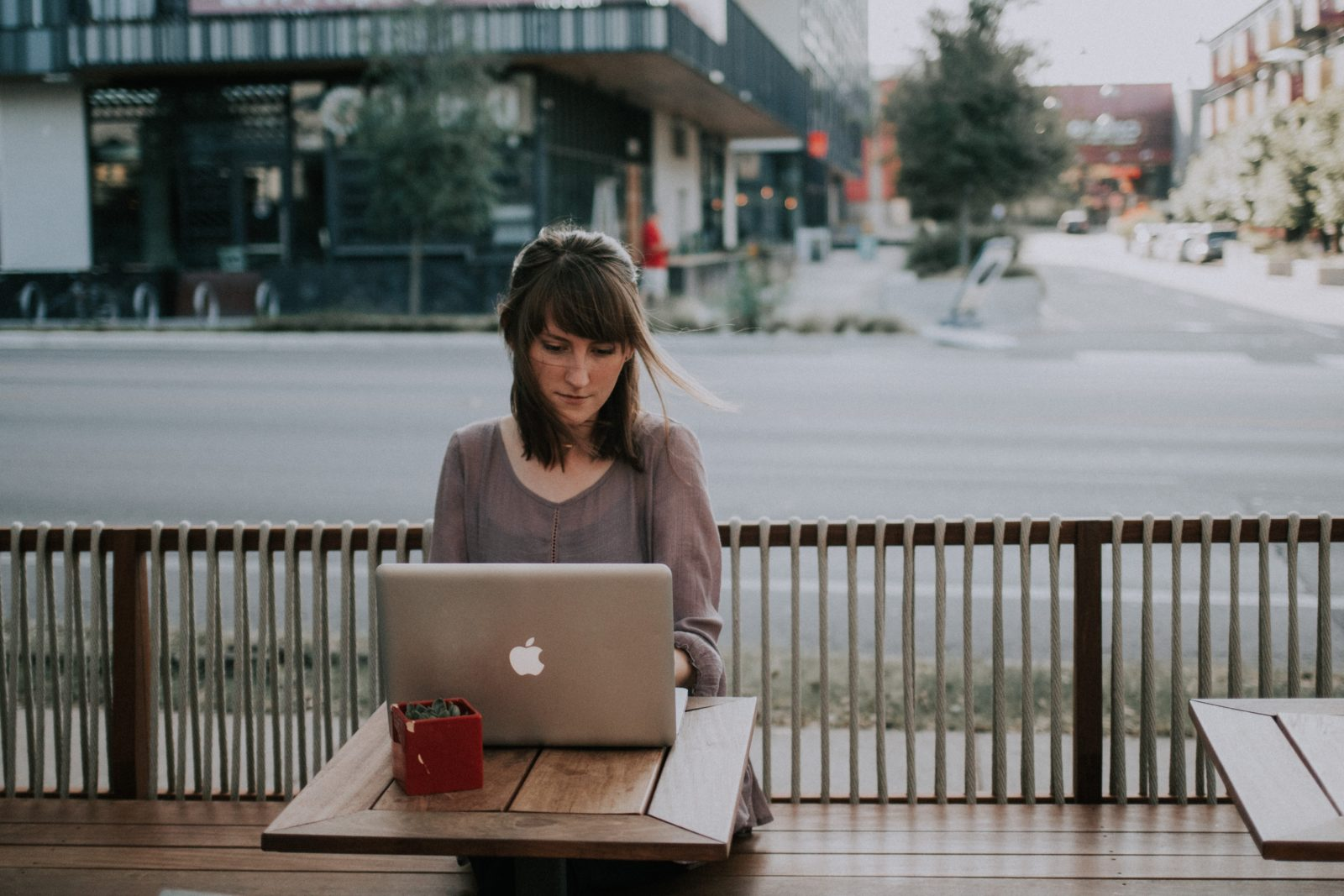 How To Stand Out In A Crowded Field Of Freelancers